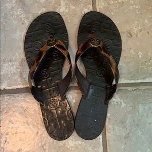 Size 9 leopard Tory Burch thong sandals